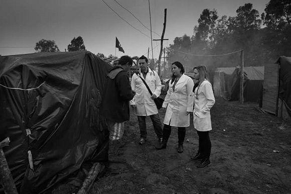 Bolsonaro: No aceptaremos la esclavitud de médicos cubanos en Brasil