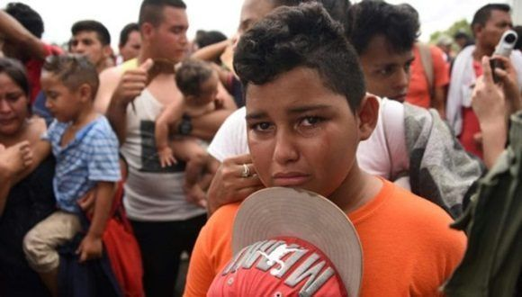 Massive departure of Honduran children in another migrant caravan.