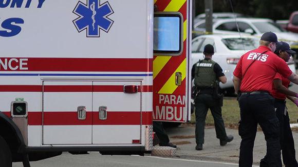 Dos muertos y cinco heridos en tiroteo en Florida, Estados Unidos