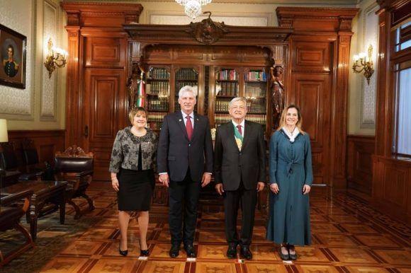 Llega Miguel Díaz-Canel a México como parte de una visita oficial
