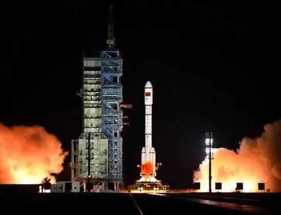 China envía gusanos a la Luna