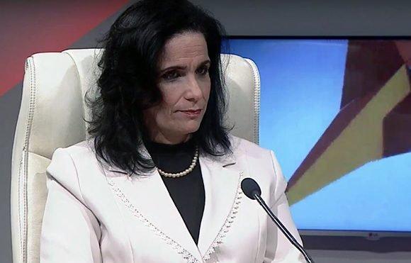 Yamila Peña Ojeda, Fiscal General de la República de Cuba. Foto: Captura de pantalla/ Mesa Redonda/ Youtube.