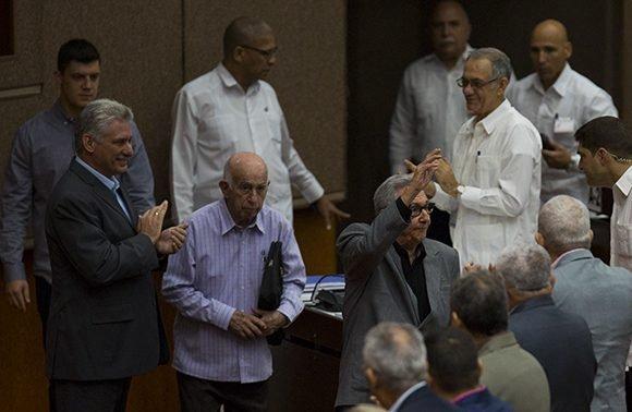 Raúl  Castro asiste a sesión plenaria de la Asamblea Nacional del Poder Popular