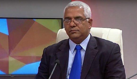 Oscar Manuel Silveira Martínez, ministro de Justicia de Cuba. Foto: Captura de pantalla/ Mesa Redonda/ Youtube.