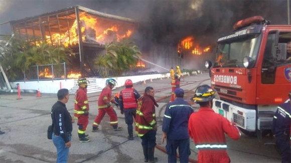 Deja pérdidas al sector de Salud incendio provocado en Venezuela