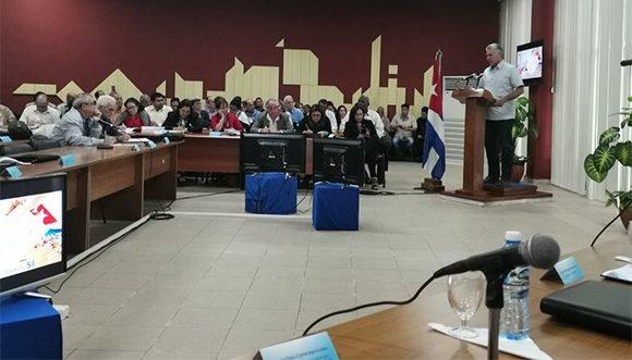 Reitera presidente de Cuba importancia de impulsar la informatización