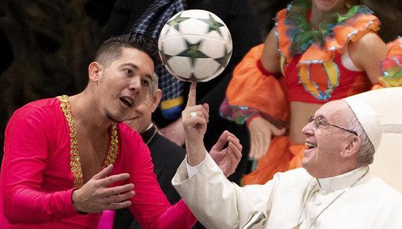 Papa Francisco reconoce belleza del Circo de Cuba