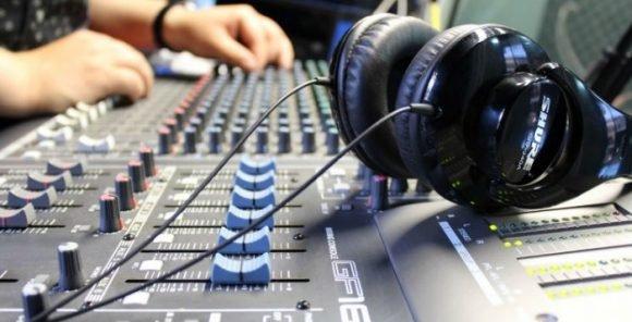 Cuba promotes digitization of radio stations