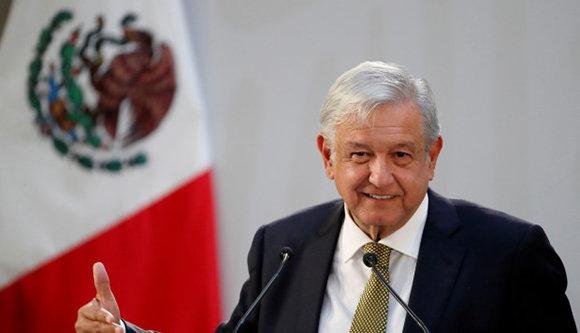 """López Obrador: """"Declaramos formalmente el fin de la política neoliberal"""" en México"""