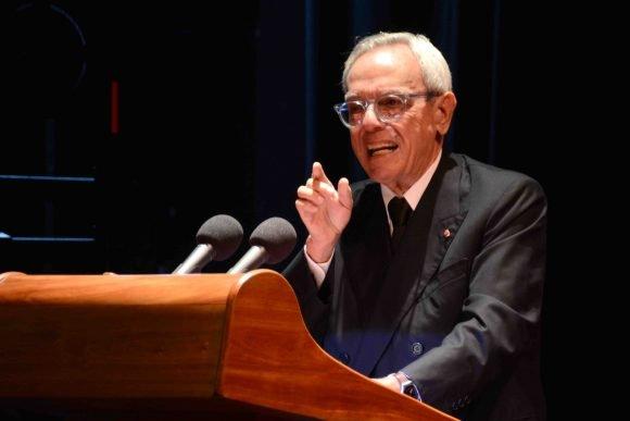 España condecora a Eusebio Leal con una de las distinciones más antiguas del mundo