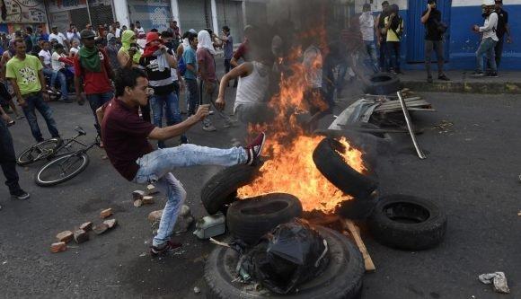 Manifestaciones en Ureña, Táchira. Foto: AFP