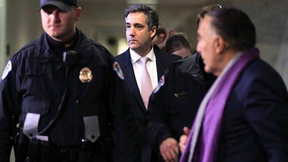 Michael Cohen, exabogado del presidente Donald Trump testifica ante el Congreso de EE.UU.