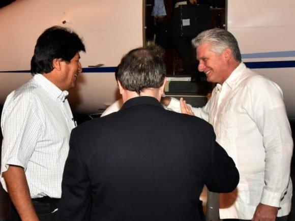 Evo Morales ratificó solidaridad al Presidente Maduro durante escala en Venezuela