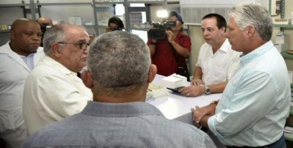Recorren Díaz-Canel y ministros sitios de La Habana