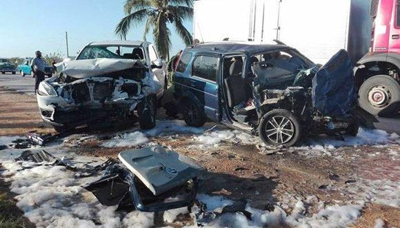 Accidente de tránsito en Sancti Spíritus deja un muerto y cuatro lesionados (+ Fotos)