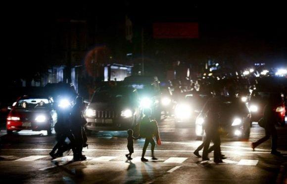 Venezuela bajo ataque: 7 apuntes sobre el shock eléctrico