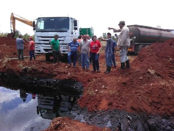 Avería en fábrica azúcar cubana causa derrame de 268.000 litros de petróleo