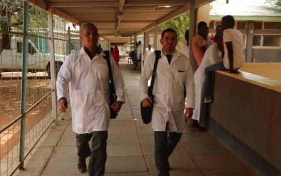 Dialogó Díaz-Canel con presidentes de Kenia y Somalia sobre médicos cubanos secuestrados