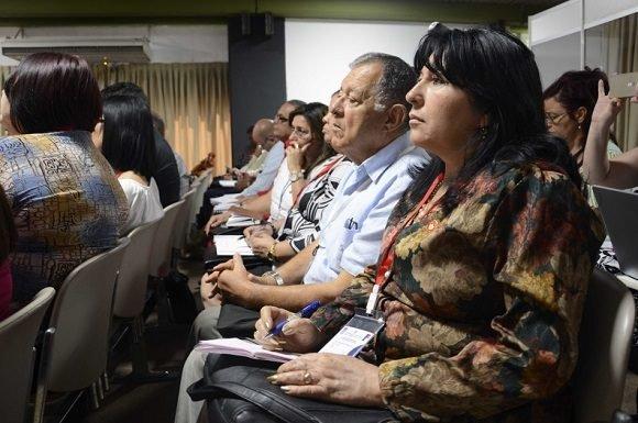 Presidente cubano ratifica la batalla económica como una prioridad
