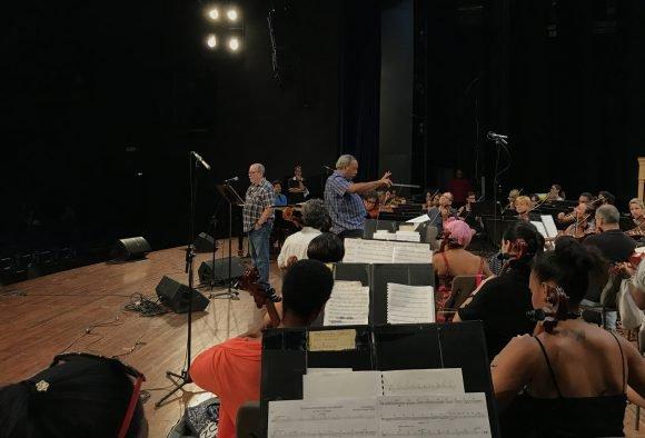 Ensayo de la Sinfónica con Silvio Rodríguez para las actuaciones en España. Foto: Oni Acosta    / Cubadebate