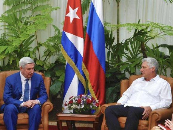 Cuban President receives Russian parliamentarian.