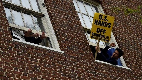 Policía resguarda embajada de EE.UU. en Caracas-Venezuela