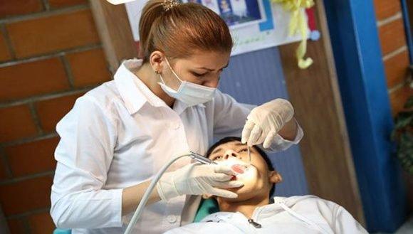Doctora cubana en Venezuela. Foto: teleSUR.