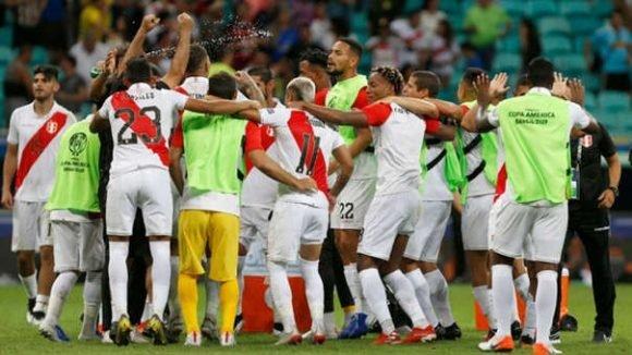 Selección Peruana y sus festejo tras derrotar a Uruguay. Foto: Getty Images