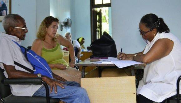 Slow housing legalization in Camagüey