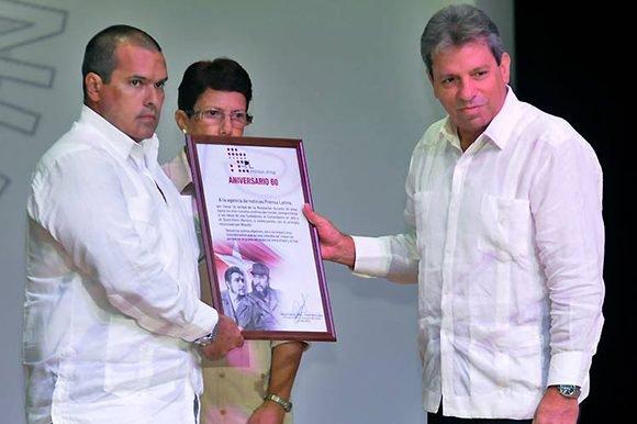 Presidente cubano reconoce a Prensa Latina en su aniversario 60 como voz alternativa