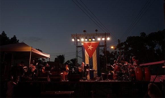 """Cambia dirección del concierto 104 de la """"Gira por los barrios"""", de Silvio Rodríguez"""