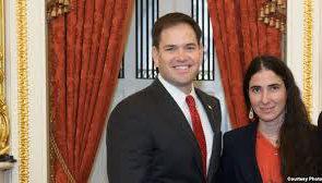 Yoani Sánchez en EE.UU. junto a su amigo y protector, el senador Marco Rubio.