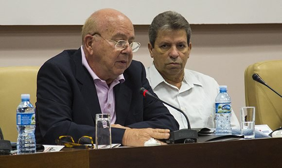 """Miguel Barnet: """"Defendemos el debate profundo de nuestra cultura"""""""