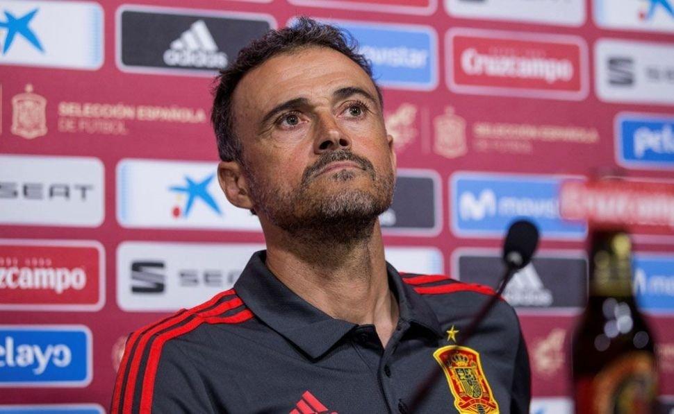 Luis Enrique abandona la selección española y será sustituido por Robert Moreno