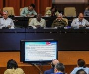 Asamblea Nacional: Ministerios de Turismo e Industrias brindaron información a los diputados, asistió el Presidente cubano