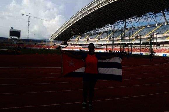 Glenda Morejón gana oro en Panamericano sub-20