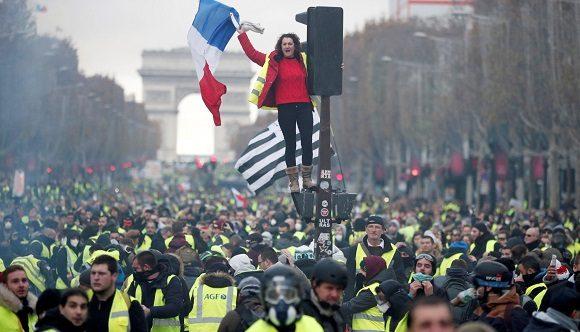 Siguen en Francia protestas de chalecos amarillos