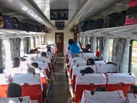 Trenes chinos comienzan a rodar por Cuba — ESPECIAL