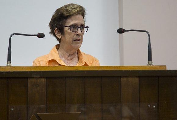 María del Carmen Concepción González, Presidenta de la Comisión de Atención a los Servicios. Foto: Irene Pérez/ Cubadebate.