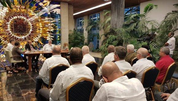 La Mesa Redonda continúa ahondando en las medidas adoptadas para potenciar la economía cubana