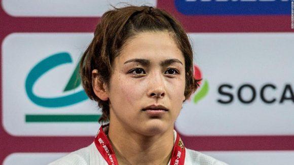 La canadiense Christa Deguchi (57 kg) le dio el primer oro para Canadá en el Campeonato.