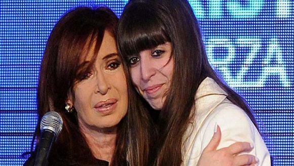 Cristina Kirchner viajó a Cuba para visitar a su hija