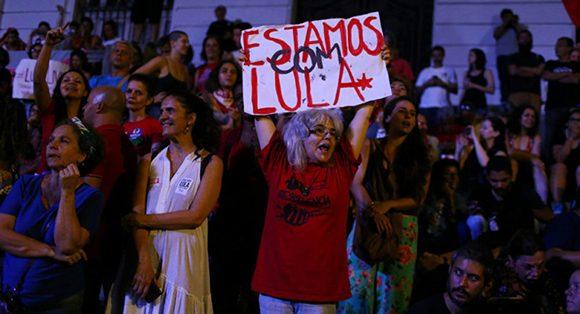 Desde la cárcel, Lula Da Silva felicitó a Fernández por la victoria