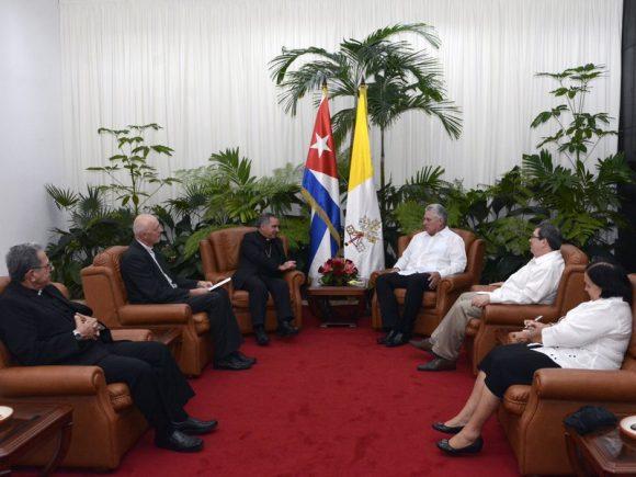 Cordial encuentro de Díaz-Canel con el Cardenal Giovanni Angelo Becciu