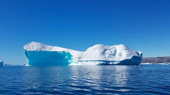 Iceberg gigante se desprende del llamado continente blanco