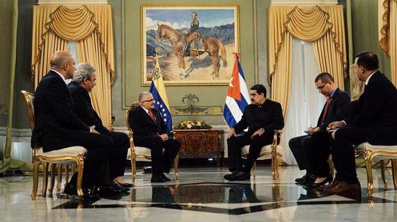 Presenta cartas credenciales nuevo embajador cubano en Venezuela