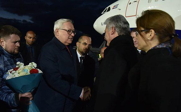 Presidente cubano llega a Moscú en visita de trabajo (+ Video)