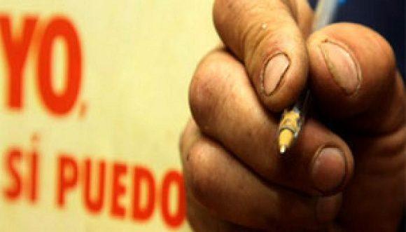 """Cuba destaca resultados del método """"Yo sí puedo"""" en la Unesco"""