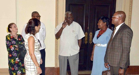 Recibe el Presidente del Parlamento cubano a diputados de Namibia