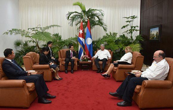 Díaz-Canel recibió al canciller laosiano